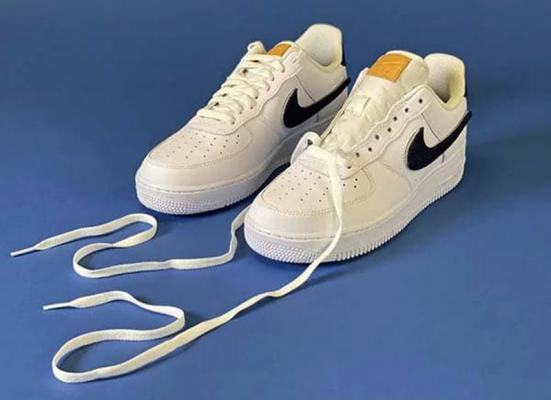cách xỏ dây giày Nike Jordan 1