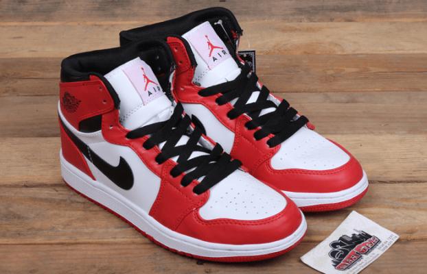 Cách xỏ dây giày Nike Jordan 1 độc đáo