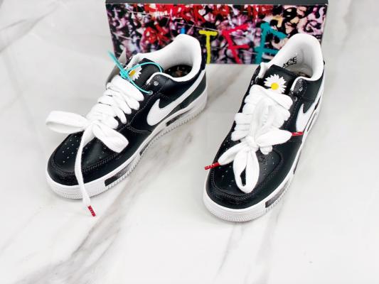 Hướng dẫn cách xỏ dây giày Nike Air Force